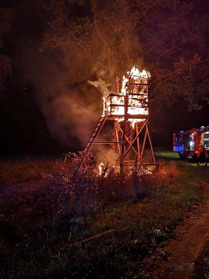 MULTIPLE HUNTING TOWERS DESTROYED WITH FIRE.