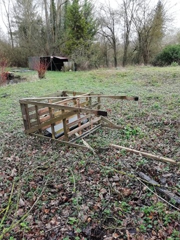 HUNTING STAND TOPPLED.